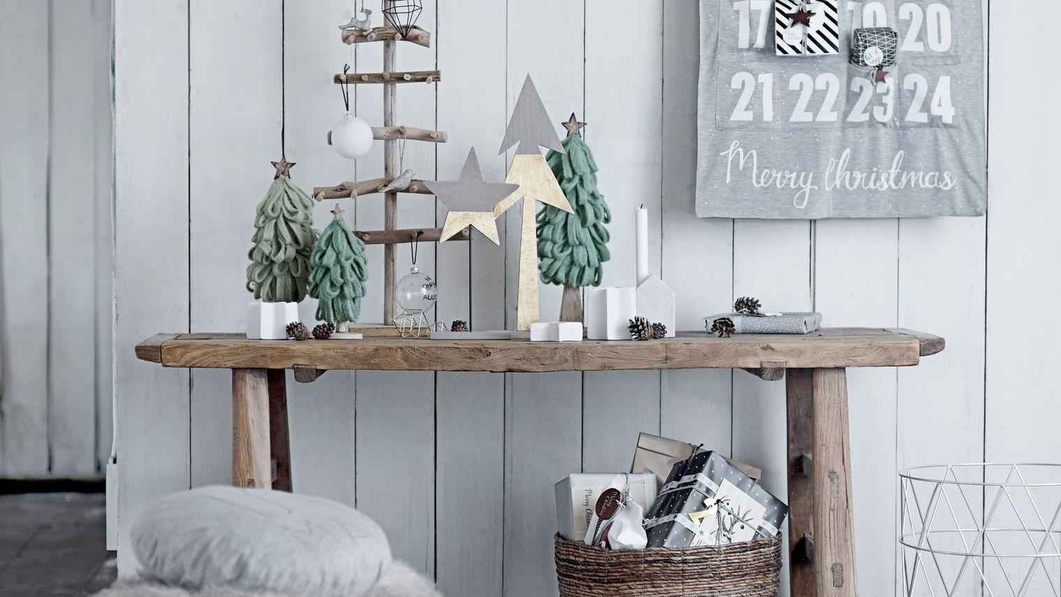 peinture pour decorer les fenetres noel decoration. Black Bedroom Furniture Sets. Home Design Ideas